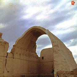 دانلود پاورپوینت اماده ارائه معماری دوره ساسانیان