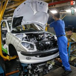دانلود پاورپوینت پروژه آماده بررسی وضعیت حاکم بر بازار خودرو